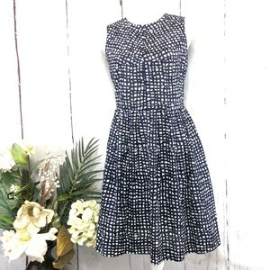 SARA CAMPBELL SLEEVELESS NAVY WHITE DRESS SIZE 2